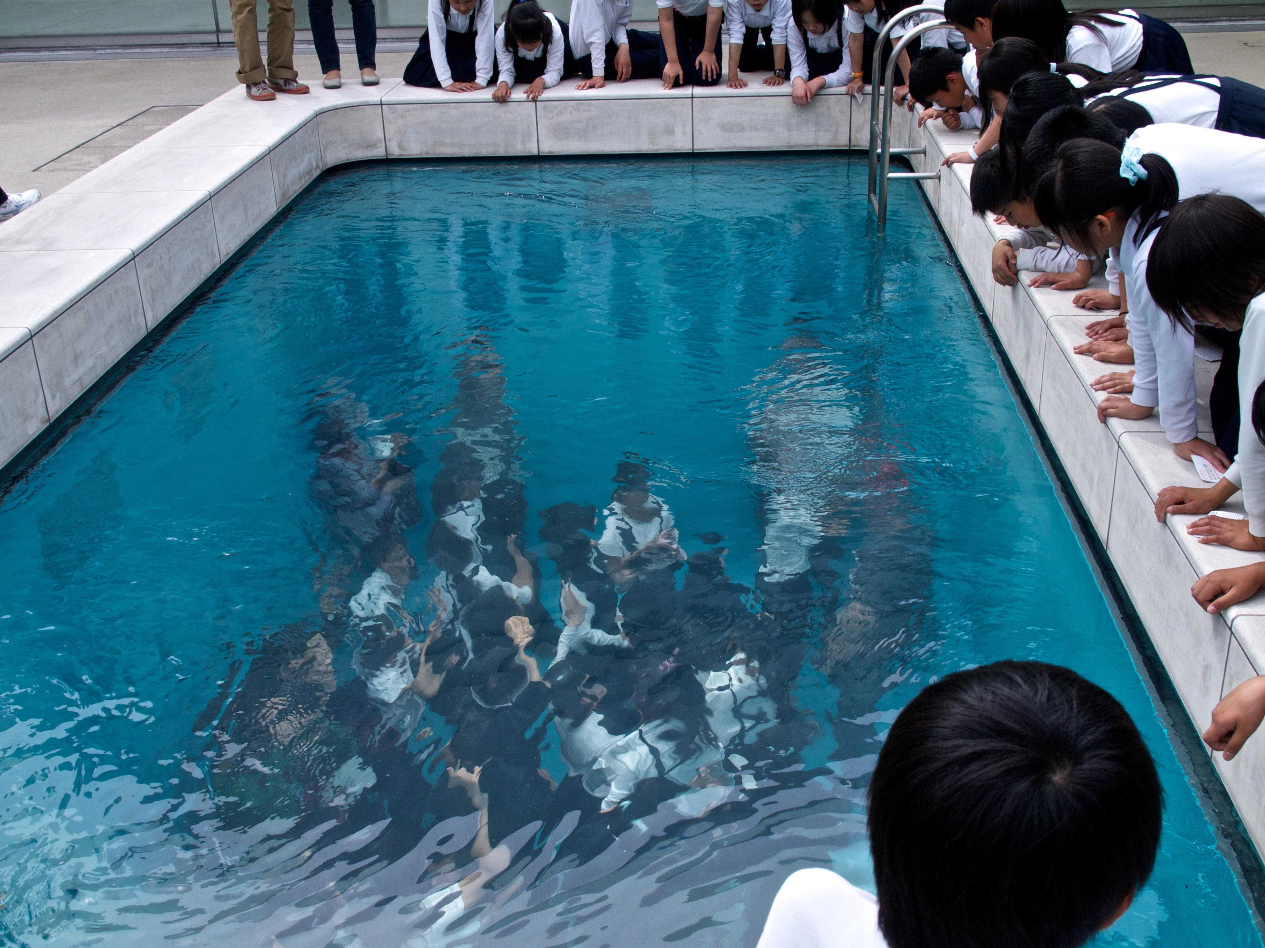 21st century museum of contemporary art museum in - Pictures of beautiful swimming pools ...