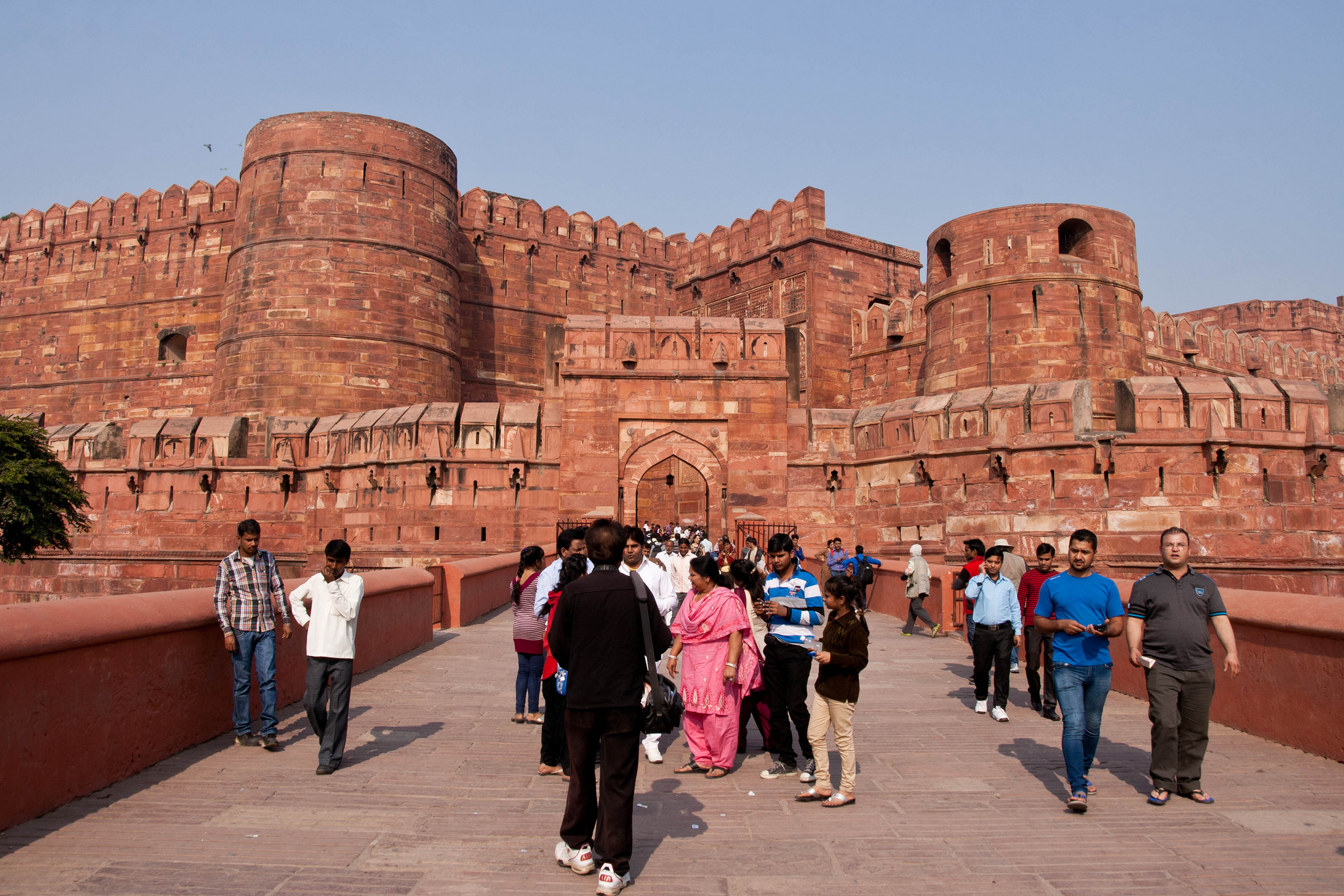 red fort agra history in hindi languag Agra red fort is a hindu building, pn oak, history books, vedic books   times vedic culture and sanskrit language held full sway throughout the world.