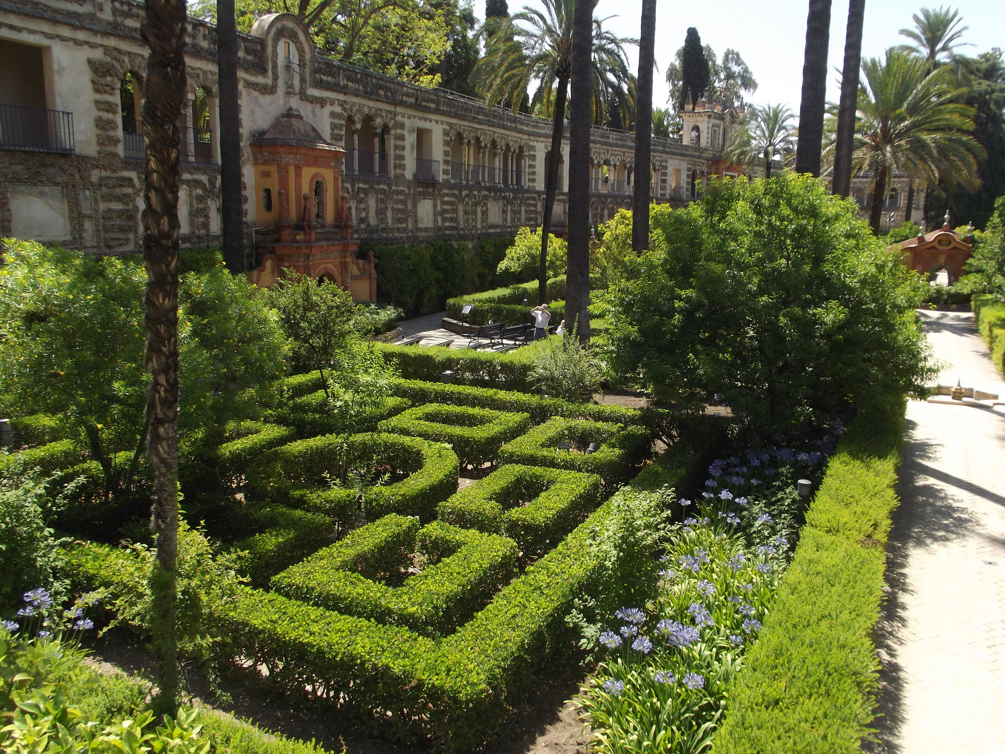 Alc zar of seville palace in spain thousand wonders for Jardines sevilla