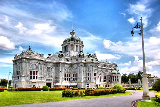 Ananda Samakhom Throne