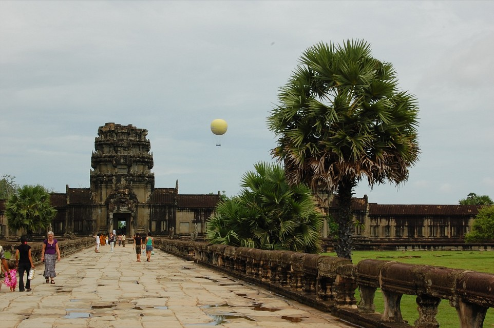 2nd Causeway - Angkor Archaeological Park