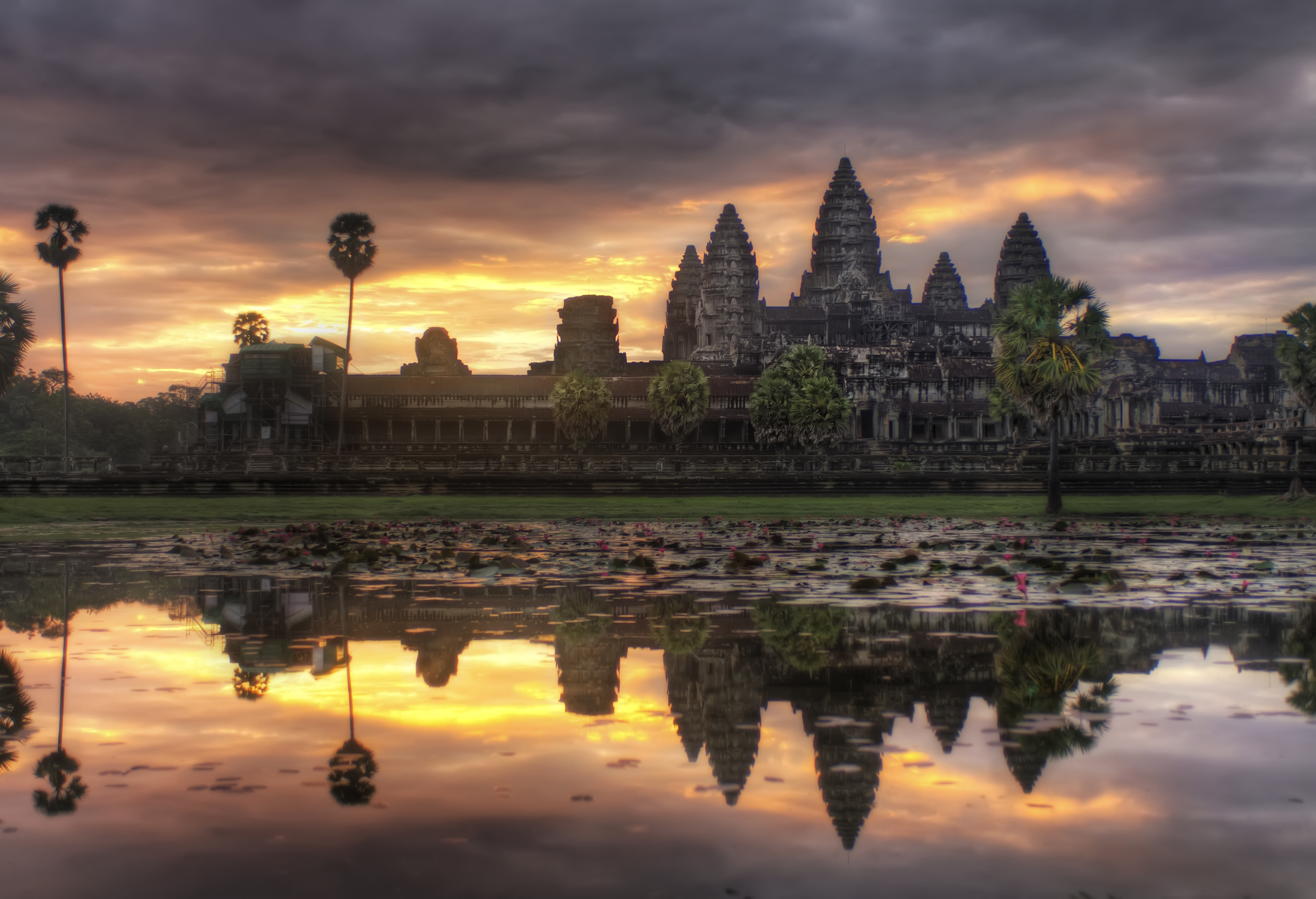 "angkor wat Angkor wat on new7wonders of the world | angkor wat (khmer: អង្គរវត្ត  or ""capital temple"") is a temple complex in cambodia and the largest religious."