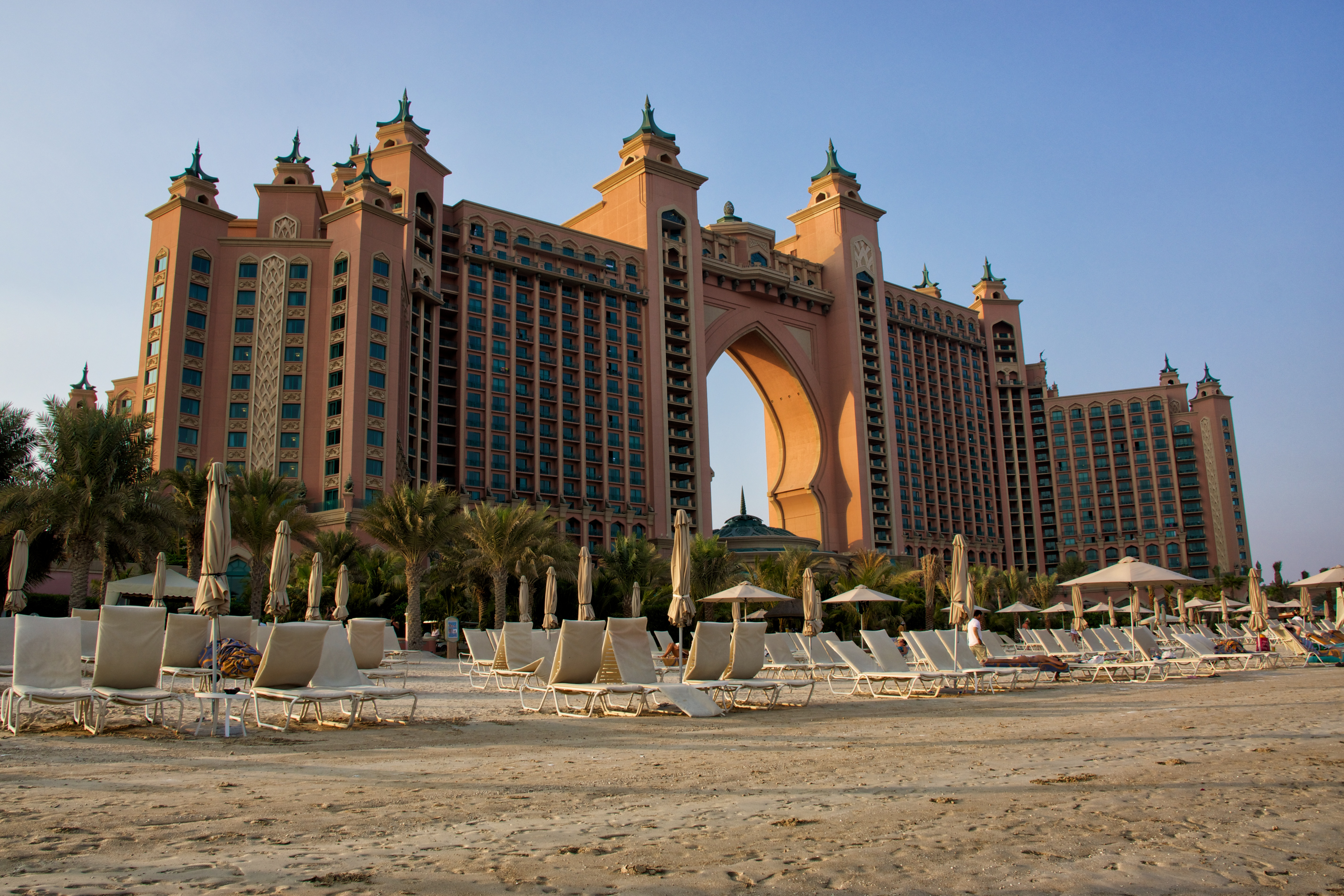 Atlantis the palm hotel in dubai thousand wonders for Hotel dubai palm