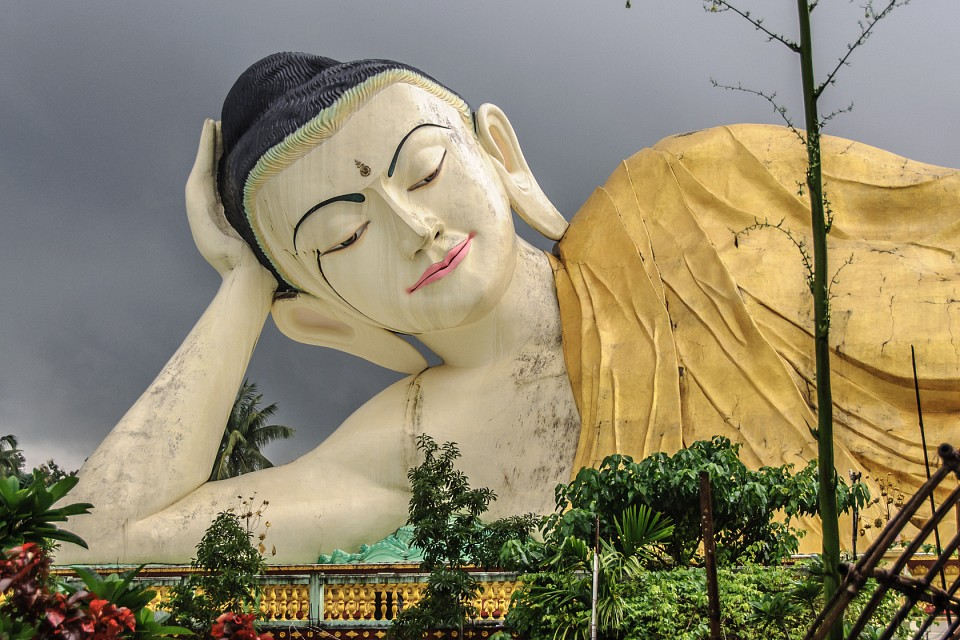 Shwethalyaung Buddha (new one) - Bago