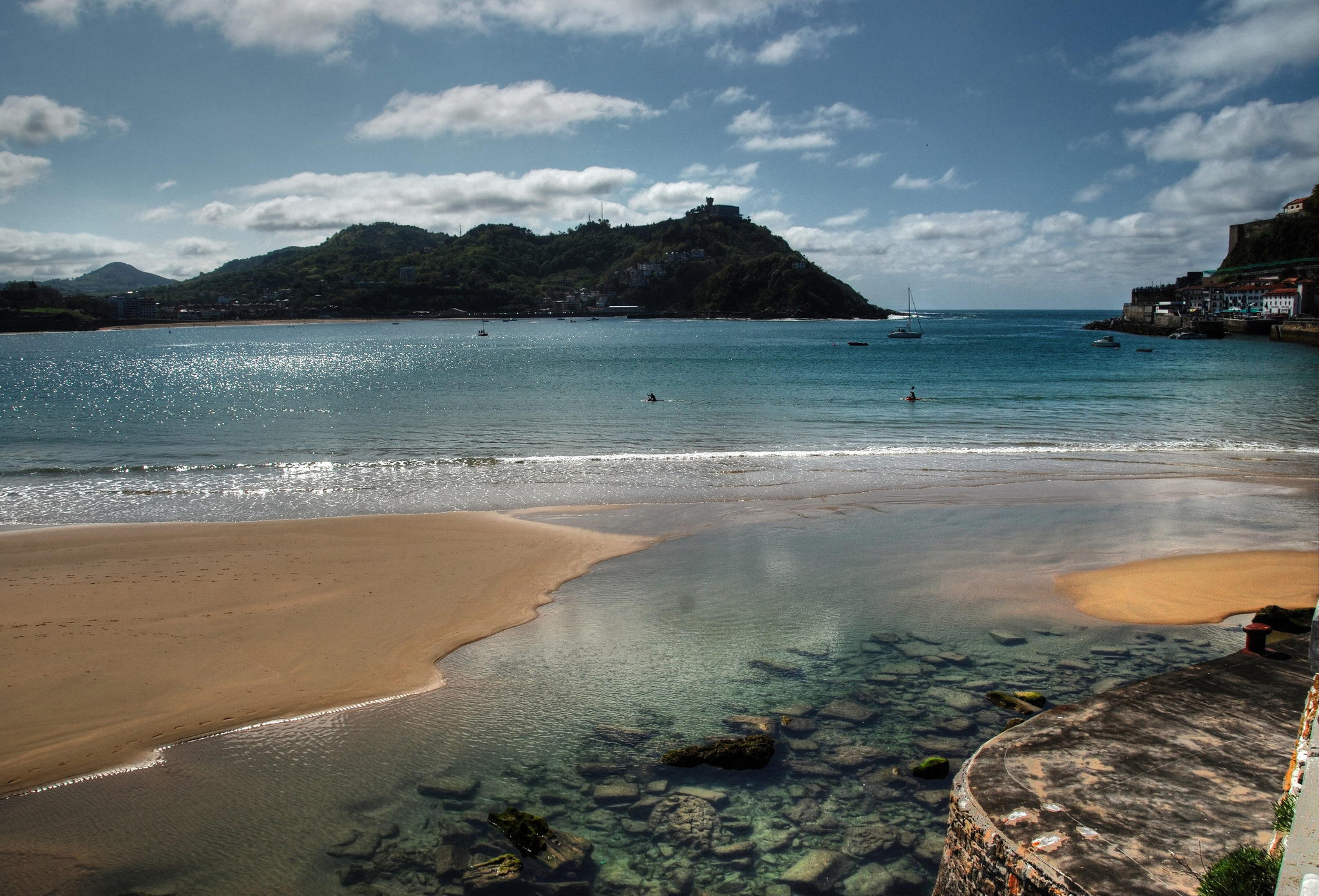 Beach of La Concha - Beach in San Sebastián - Thousand Wonders