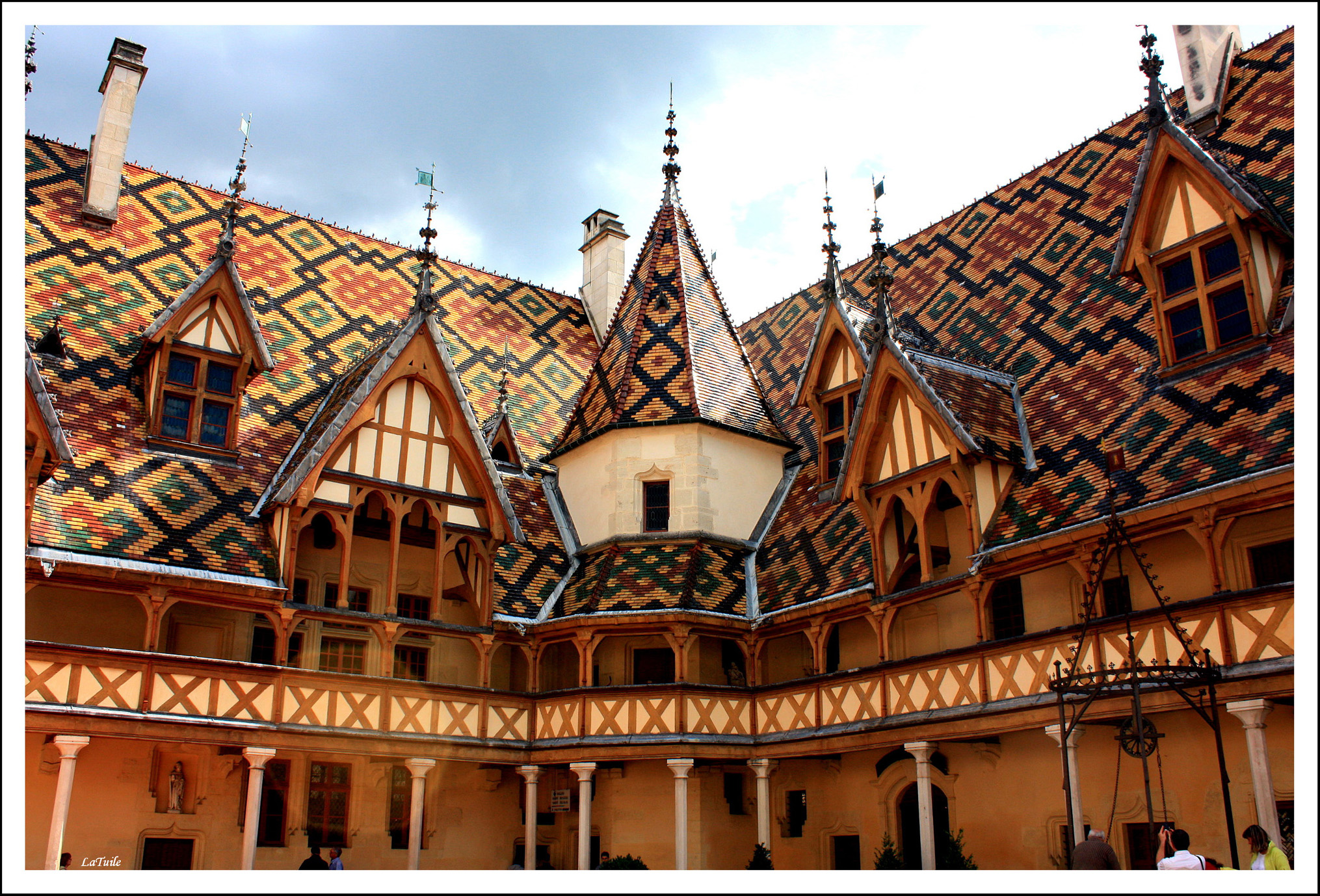 beaune chatrooms Looking for a hotel in beaune a leisure break or a business trip let laterooms help you make the most of your stay with upto 50% off book now.