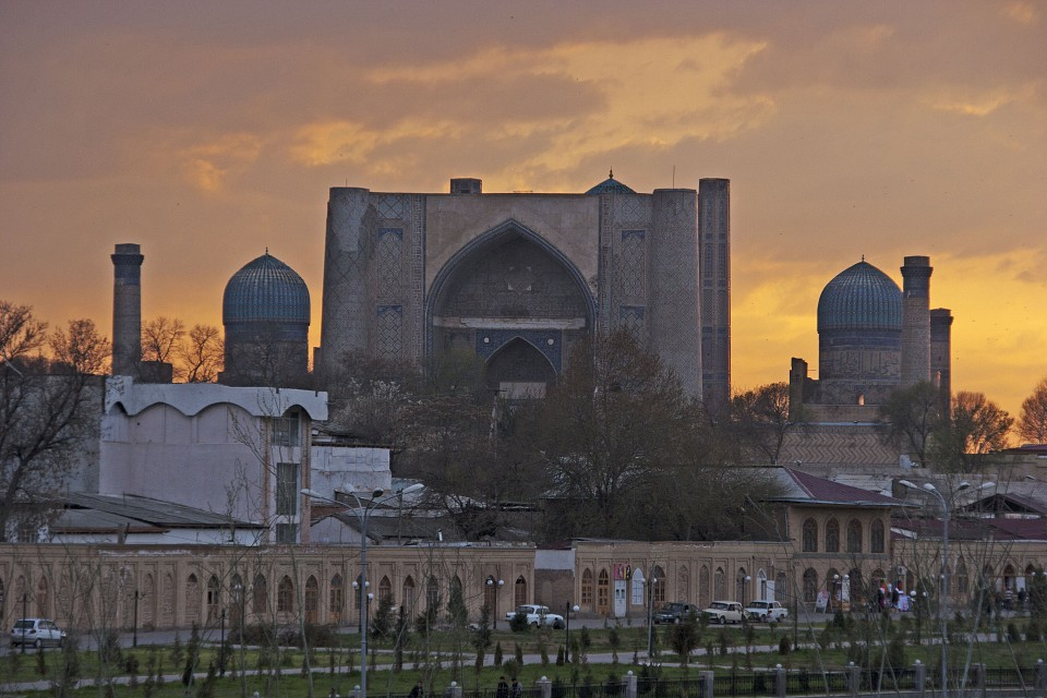 Sunset over Bibi-Khanym Mosque in Samarqand - Bibi-Khanym Mosque
