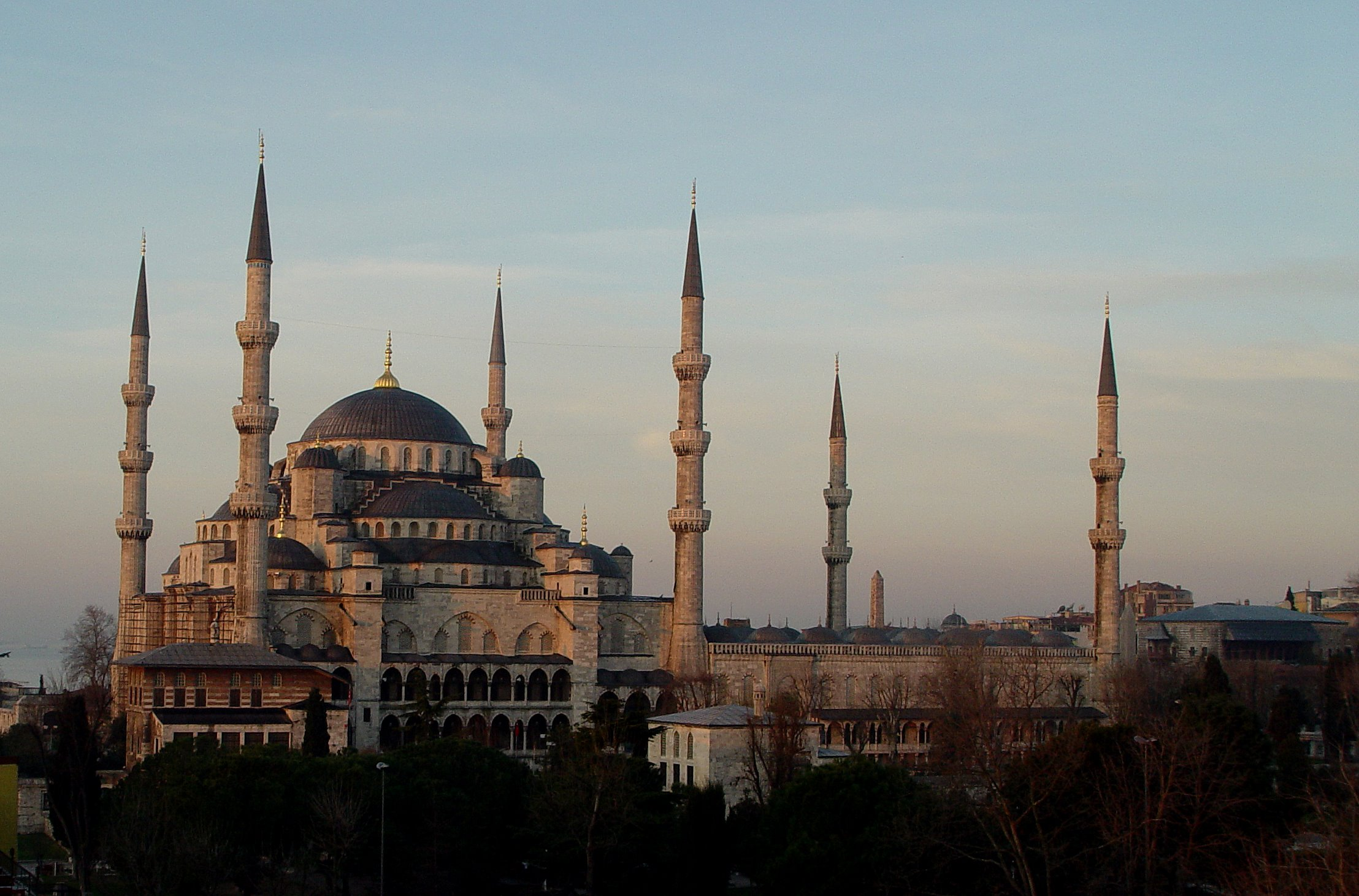 Blue Mosque - Mosque in Istanbul - Thousand Wonders