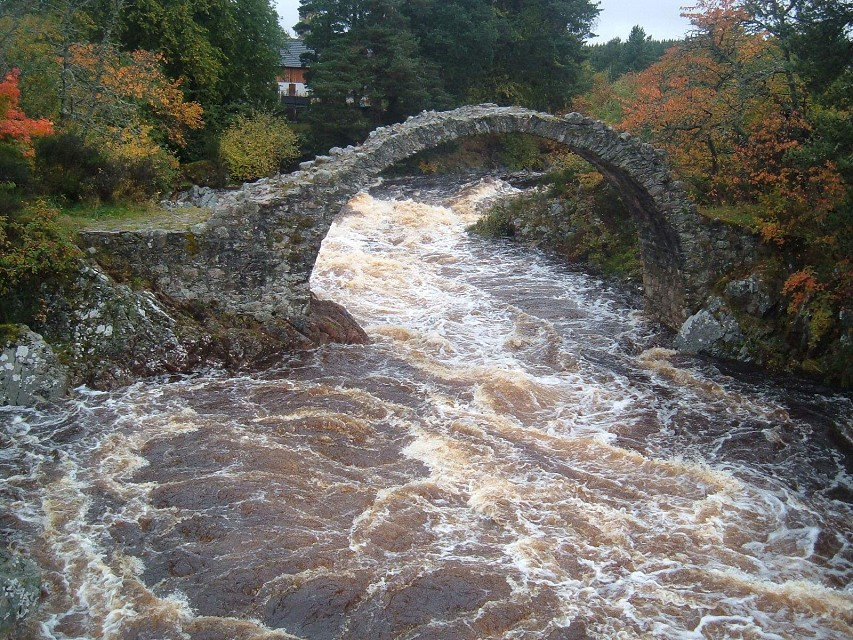 Carr Bridge - the old bridge  - Scotland - Carrbridge