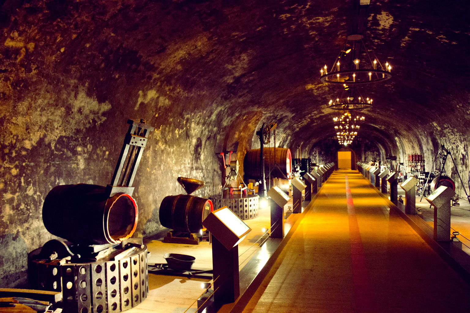 caves g h mumm cave in reims thousand wonders. Black Bedroom Furniture Sets. Home Design Ideas