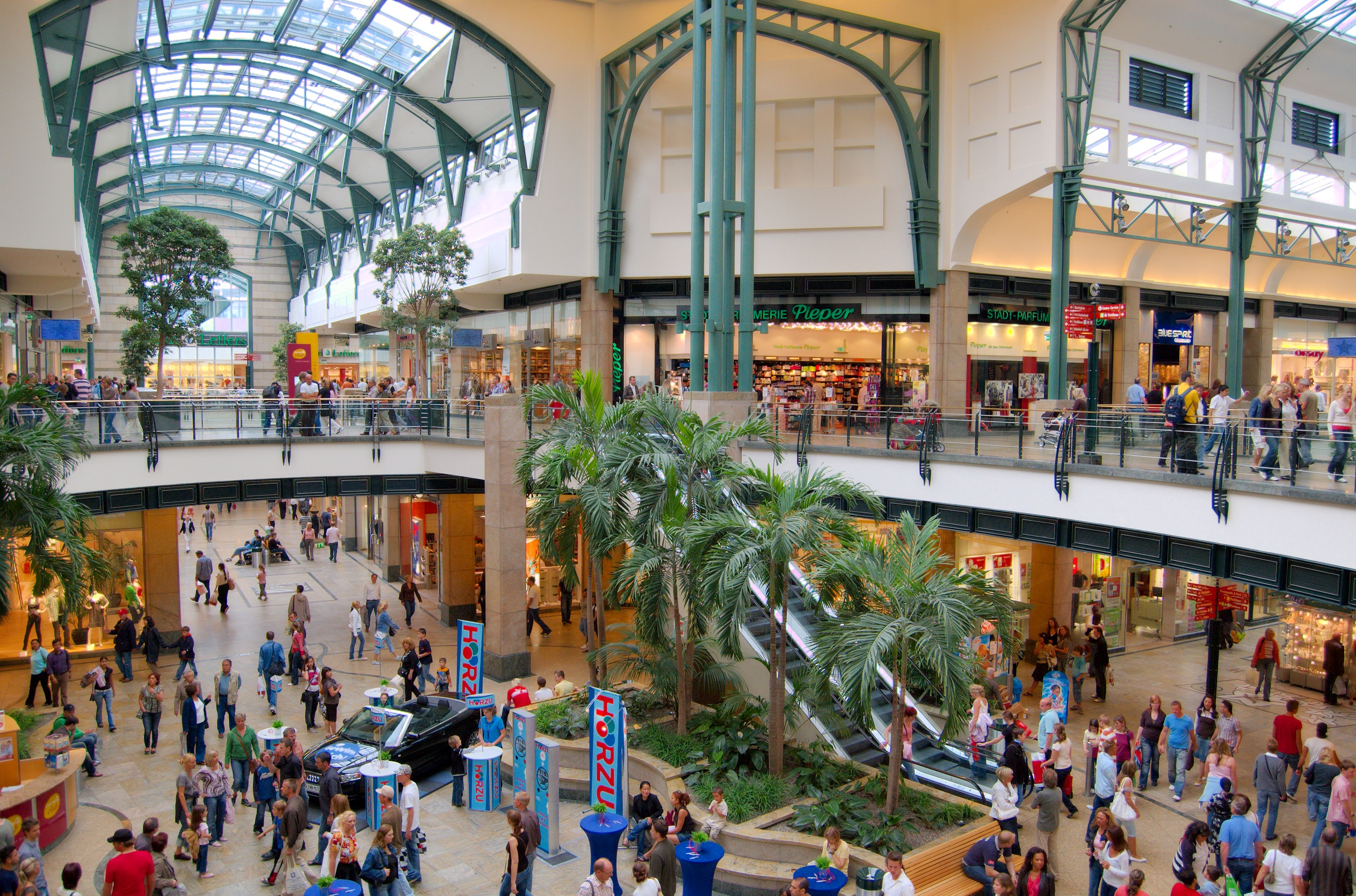 Centro shopping mall in oberhausen thousand wonders for Top 10 online shopping sites in the world