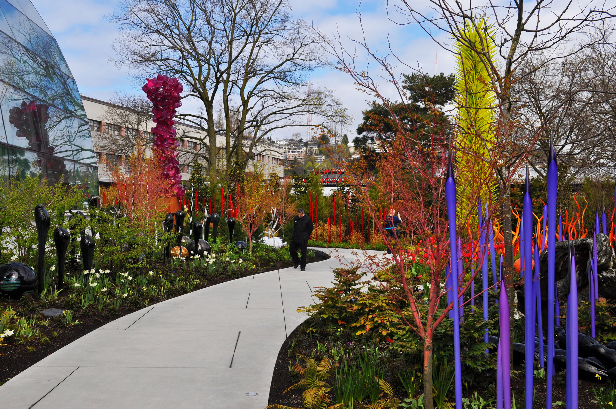 Chihuly Garden and Glass - Museum in Seattle - Thousand Wonders