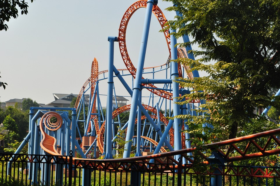 10 Inversion Roller Coaster - Chime-Long Paradise