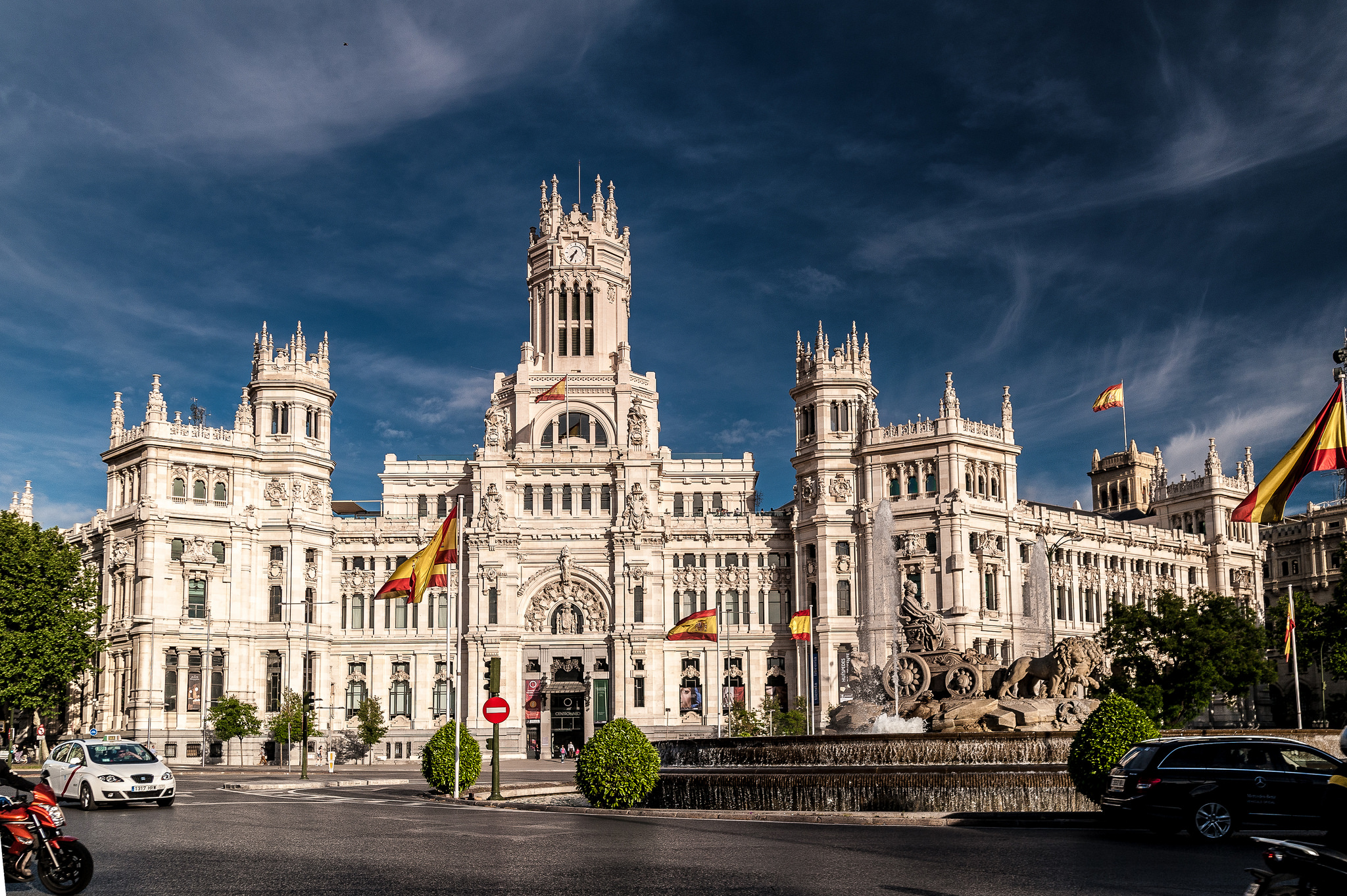 Cibeles Palace - City Hall in Madrid - Thousand Wonders