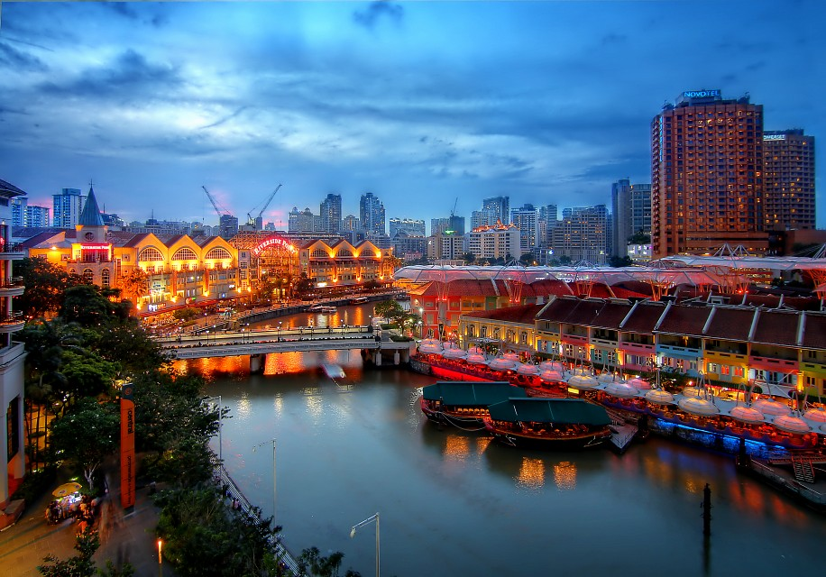 Another view of Clarke Quay - Clarke Quay