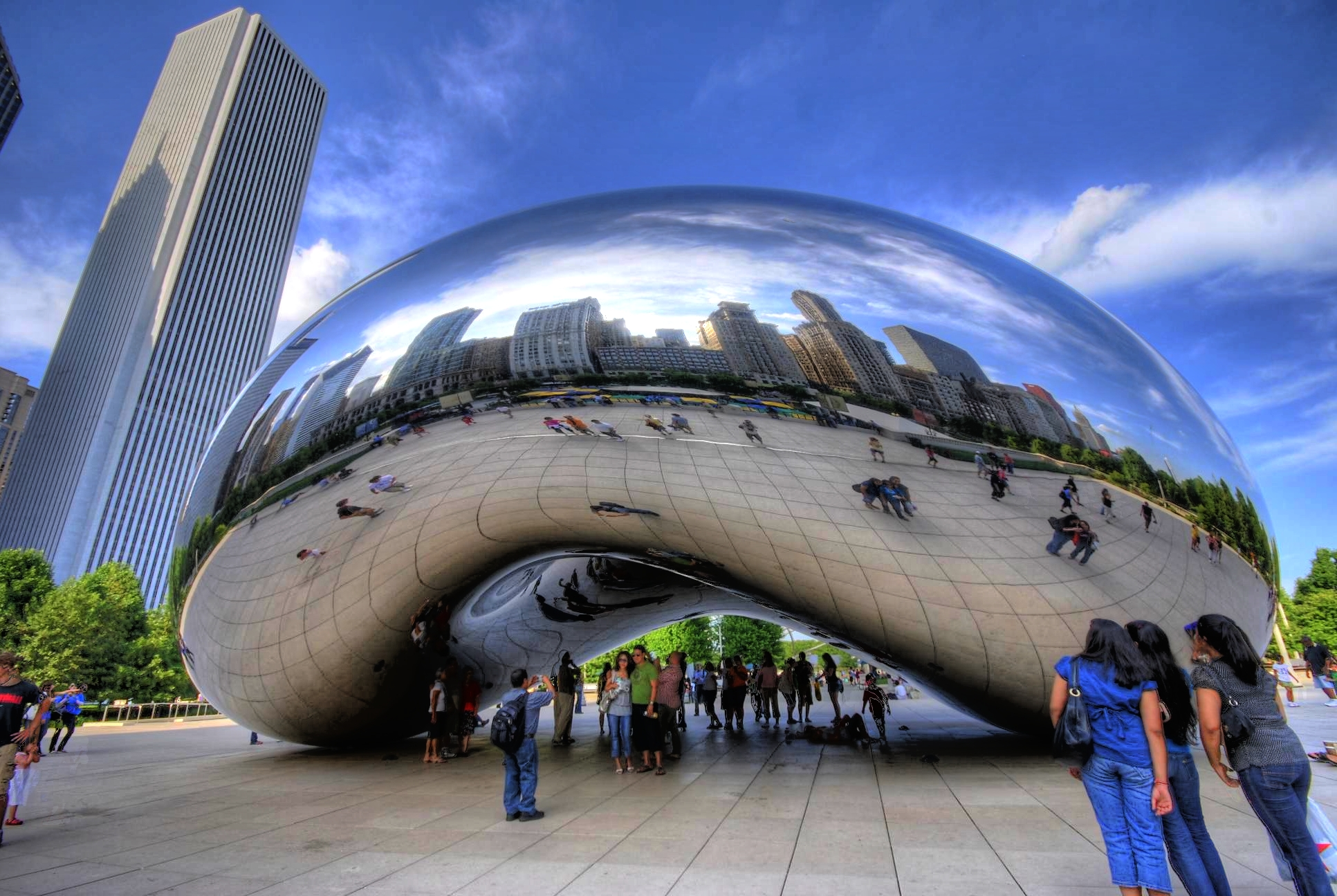 Cloud gate statue in chicago thousand wonders
