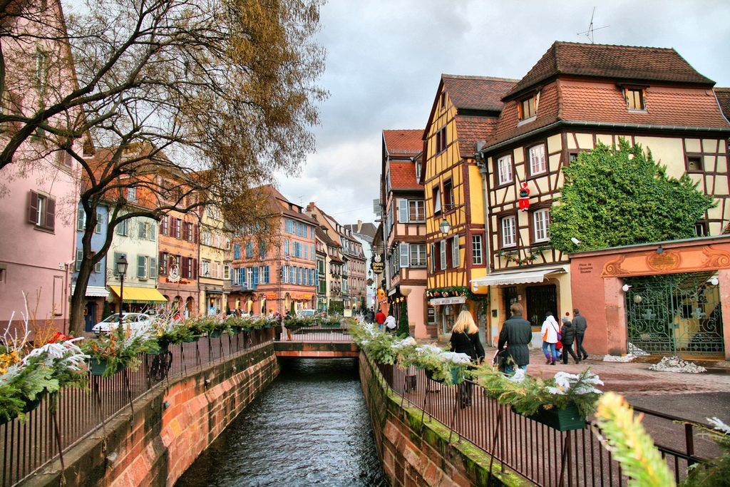 Colmar town in france thousand wonders for Blue piscine colmar