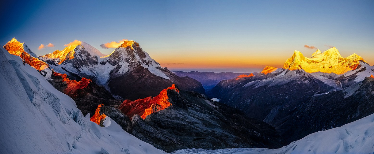 Sunrise over Llanganuco