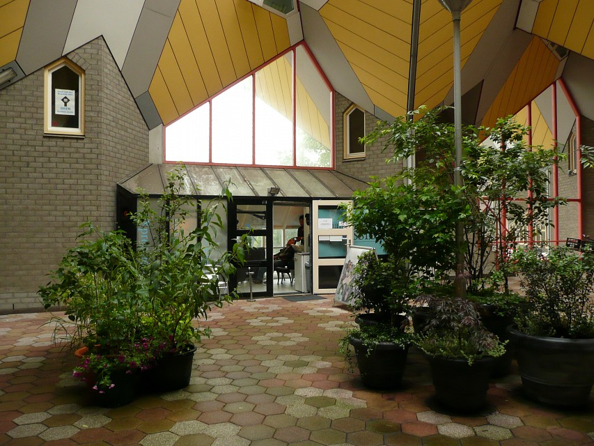 Kubuswoningen in Rotterdam Blaak - Cube house