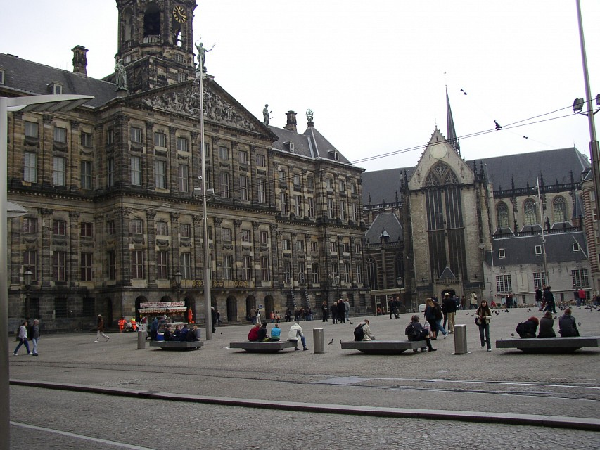 The Royal Palace (left) and Nieuwe Kerk (right) - Dam Square