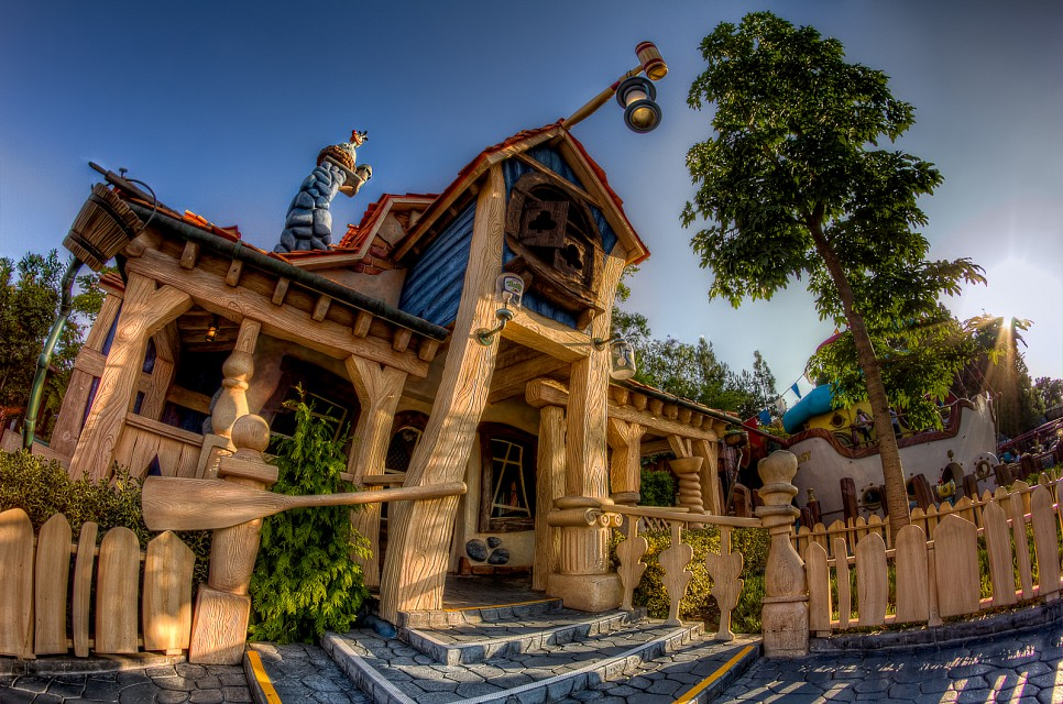 Goofy's Playhouse - Disneyland