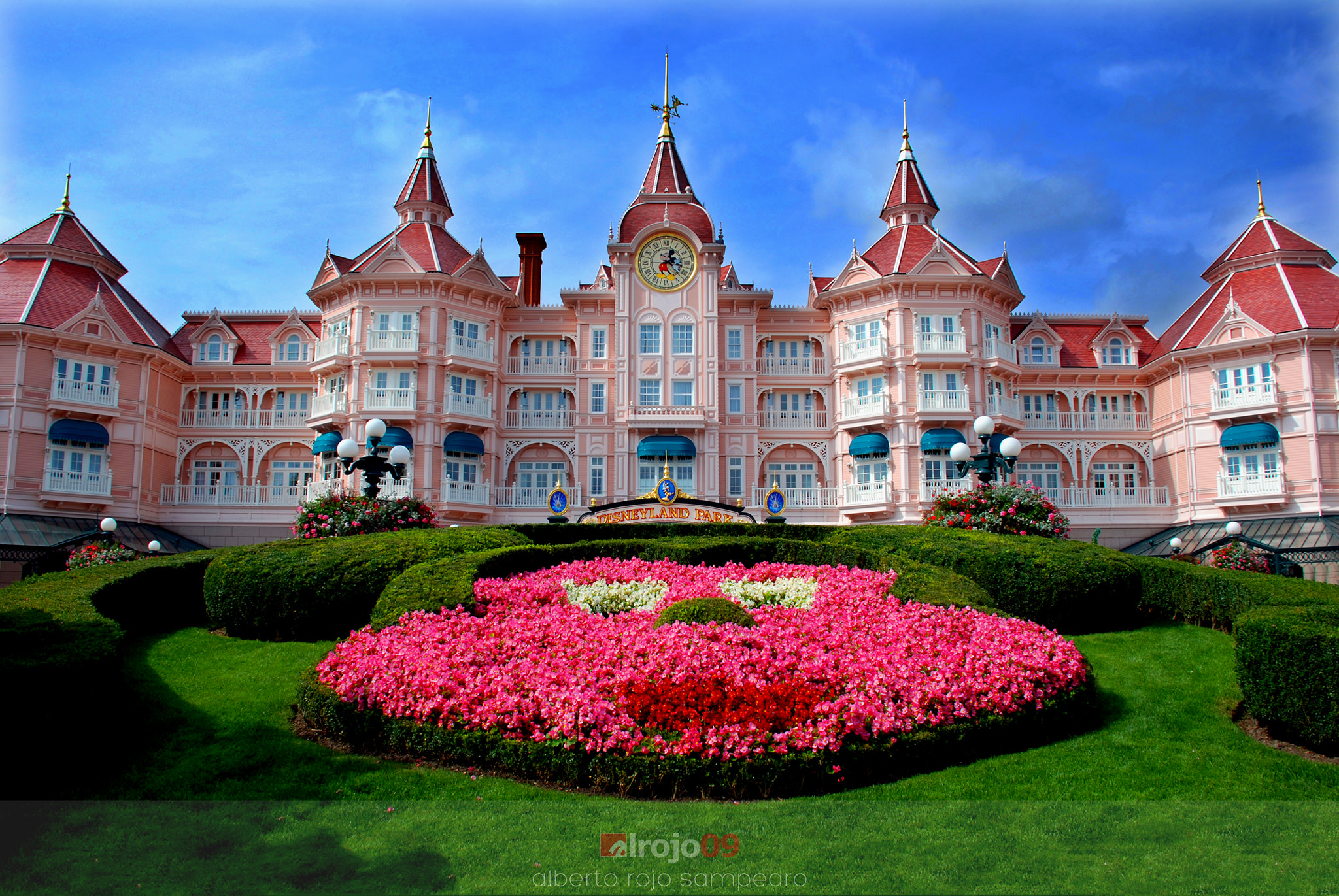 Disneyland paris theme park in paris thousand wonders for Hotels eurodisney