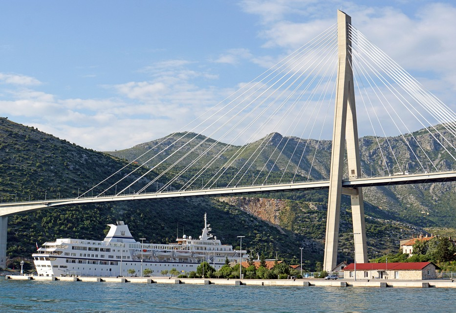 Big Boat and Big Bridge (Franjo Tuđman Bridge) - Dubrovnik