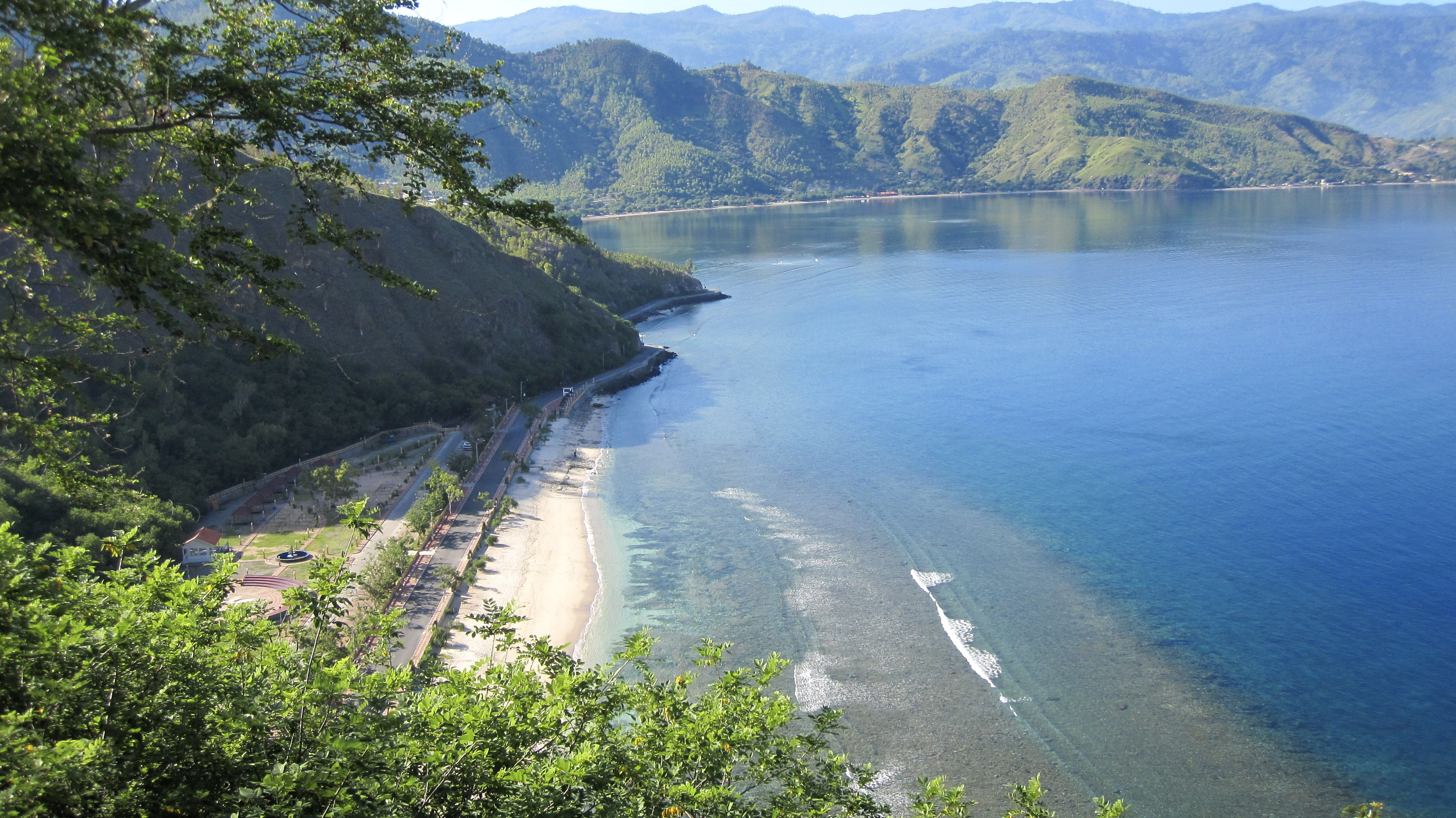 east timor Oecusse municipality: enclave separated from the rest of east timor 72,000 (2011 baikeno language council) several thousand speakers in dili and indonesian west.