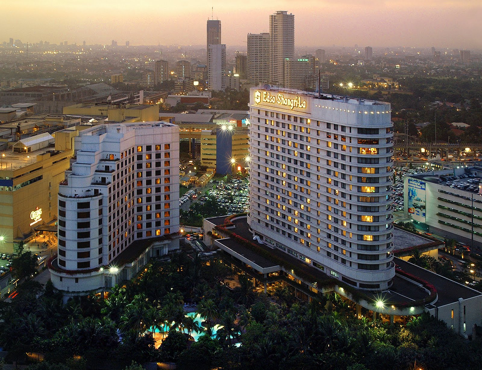 observation in edsa shangri la A stay at makati shangri-la, manila, is an unforgettable one the hotel offers you  the opportunity to experience the heart of manila from the very centre of.