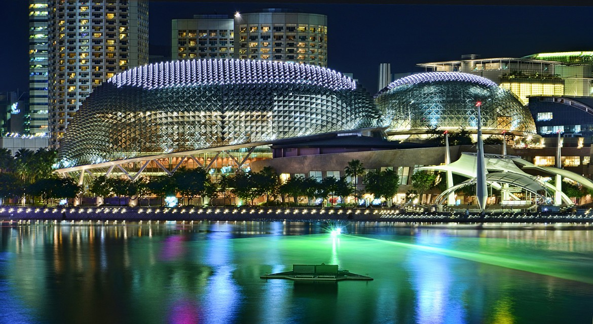 The Esplanade shining like a Star... - Esplanade – Theatres on the Bay