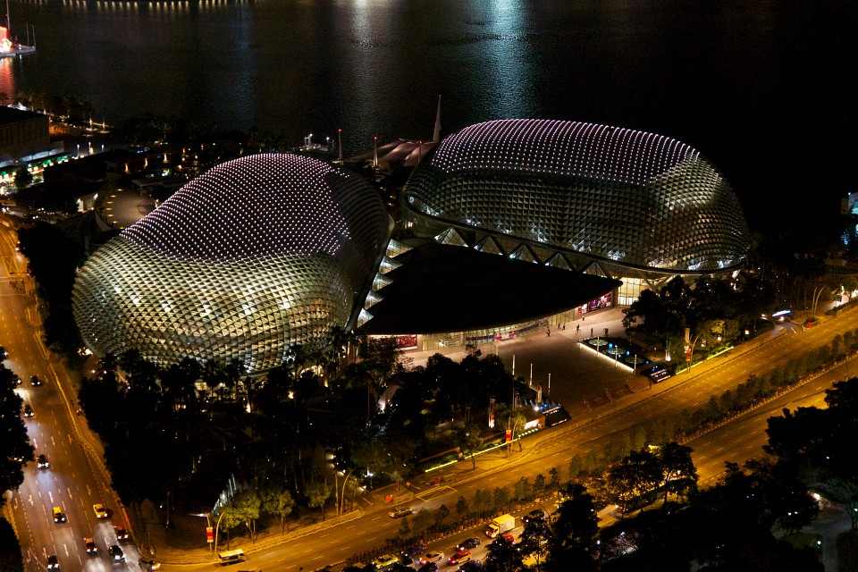 Esplanade - Theatres by the bay in Singapore at night - Esplanade – Theatres on the Bay