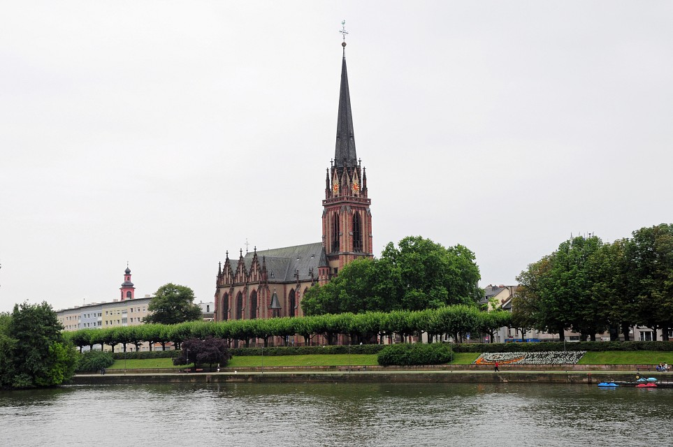 Cathedral - Waterway - Frankfurt - Frankfurt Cathedral