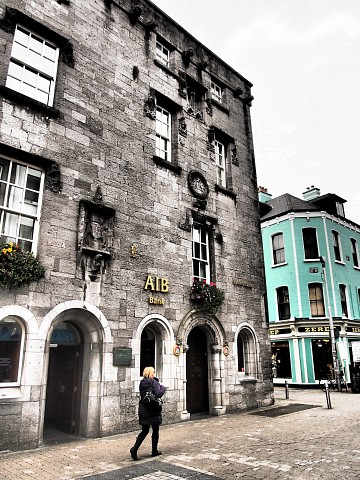 Lynch's Castle -