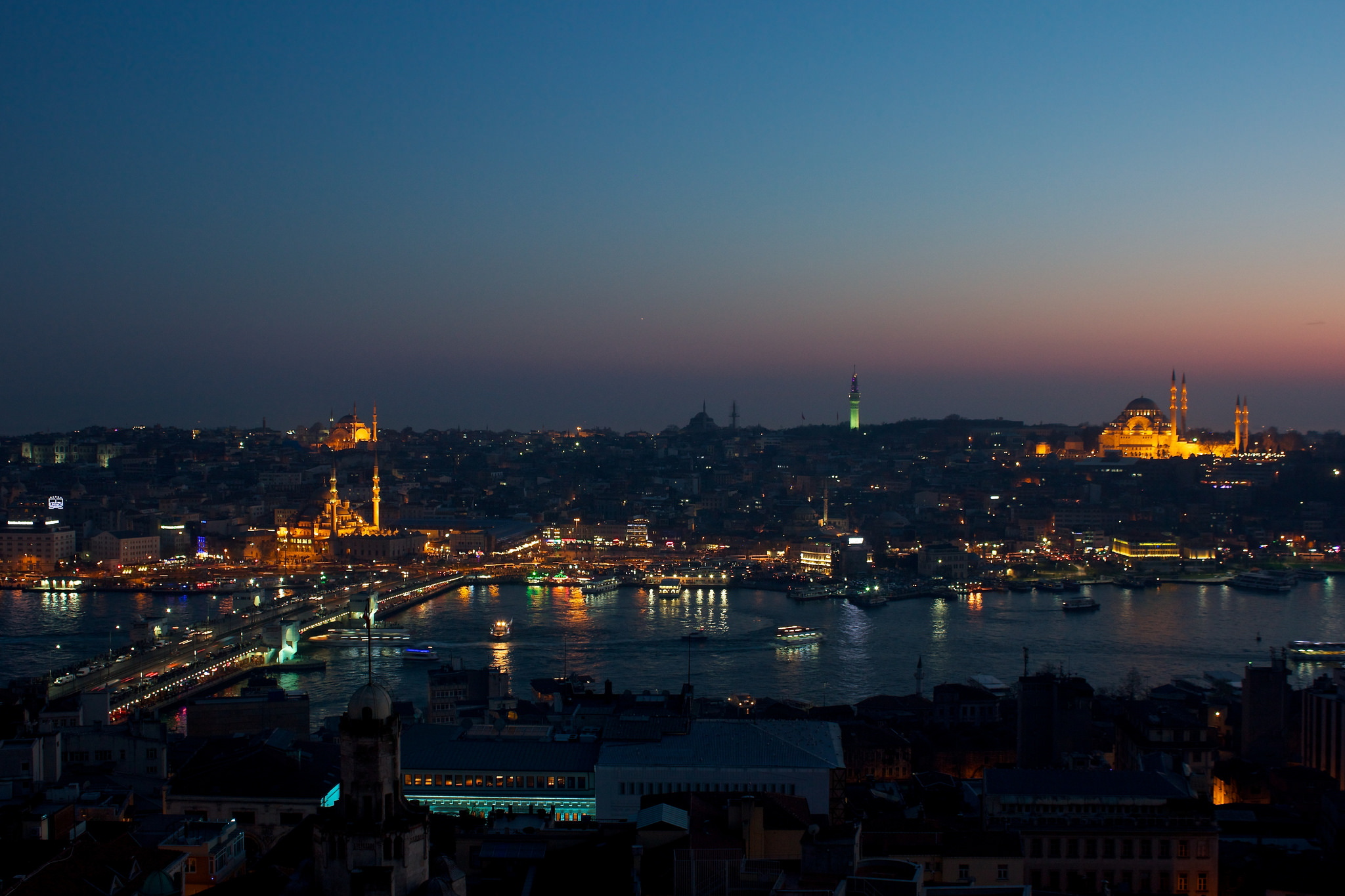 Golden Horn - in Istanbul - Thousand Wonders