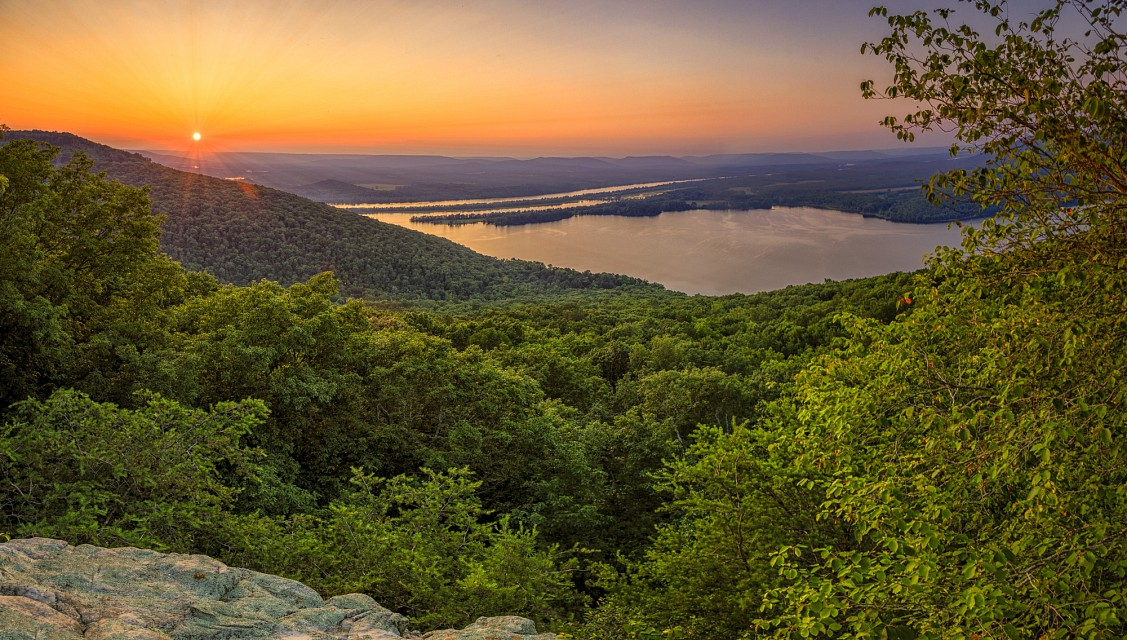 Sunset over Tennessee River - Gorham's Bluff