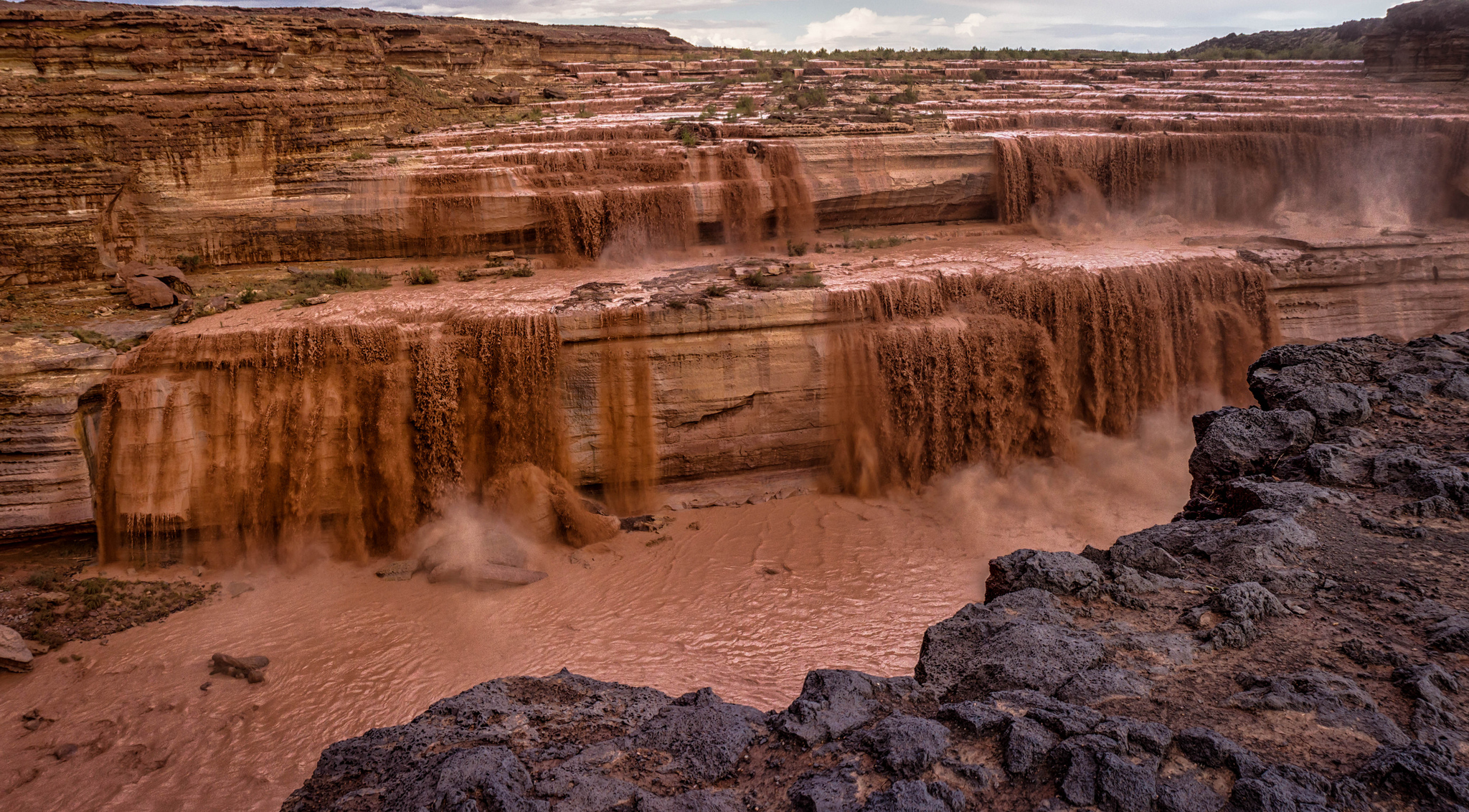 Canyon Vs Colorado >> Grand Falls - Waterfall in Arizona - Thousand Wonders