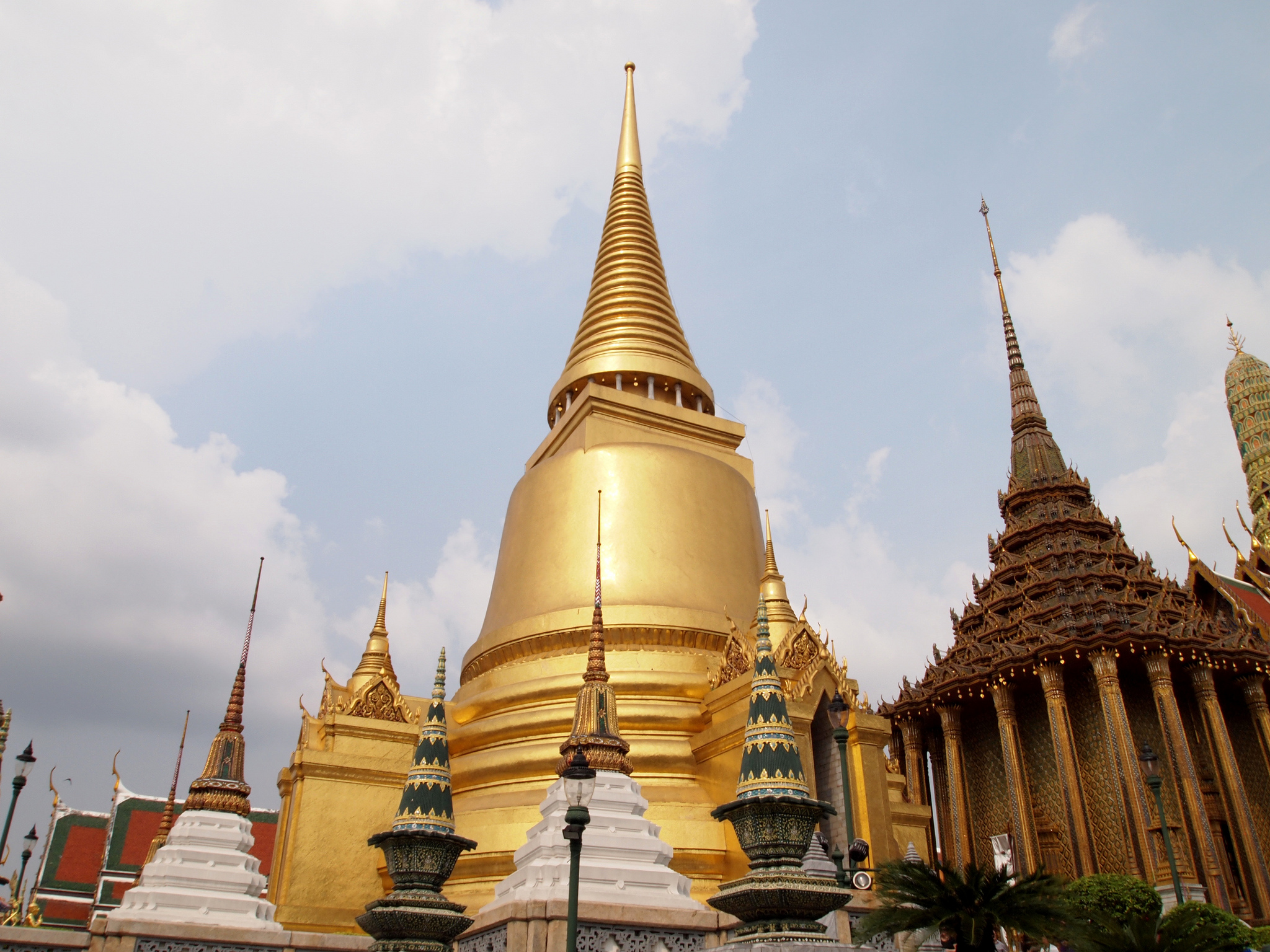 Grand Palace Temple in Bangkok Thousand Wonders