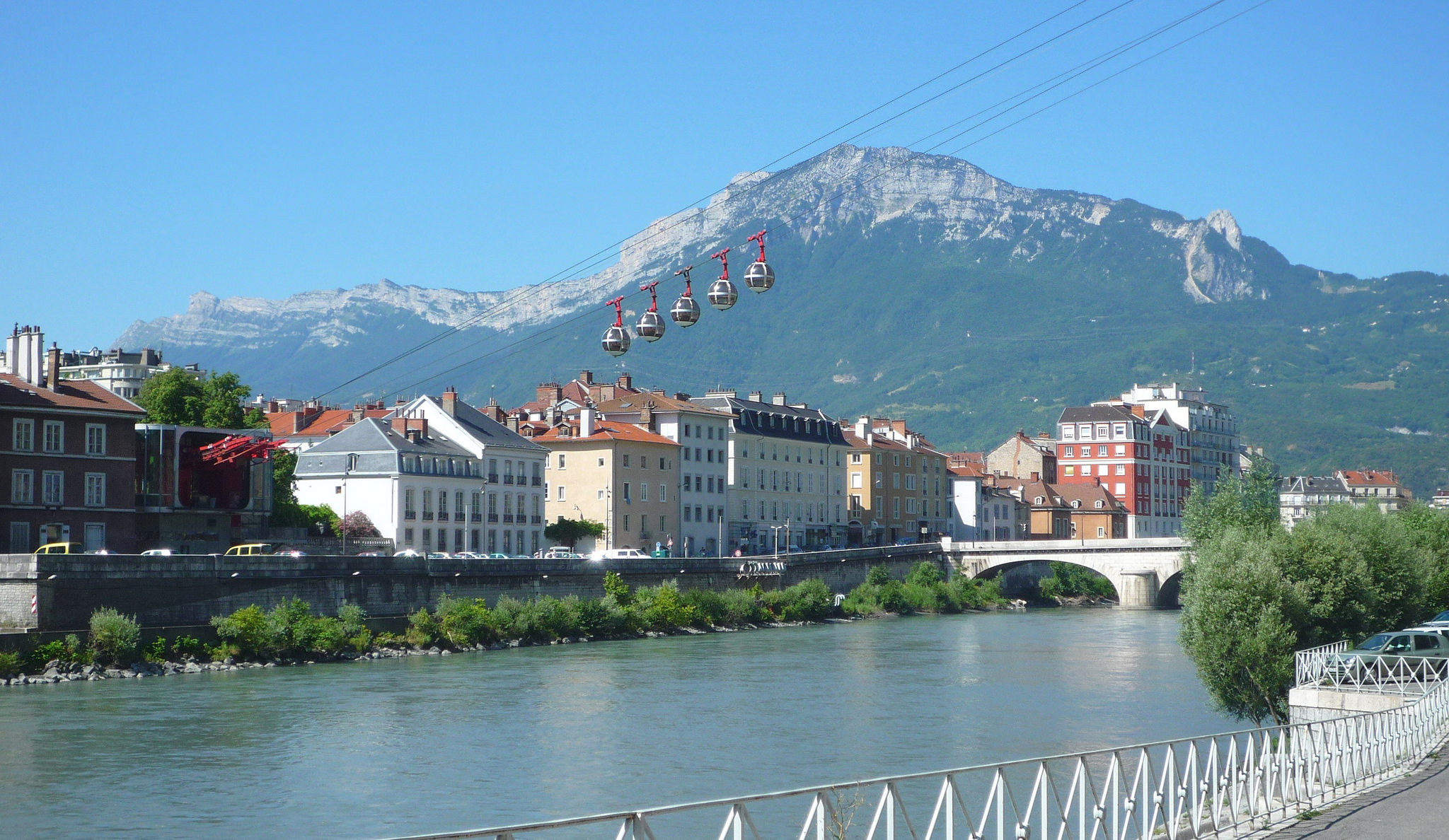Grenoble-Bastille cable car - Cable Car in Grenoble - Thousand Wonders