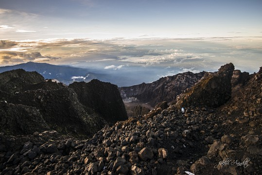Look Behind - Gunung Rinjani