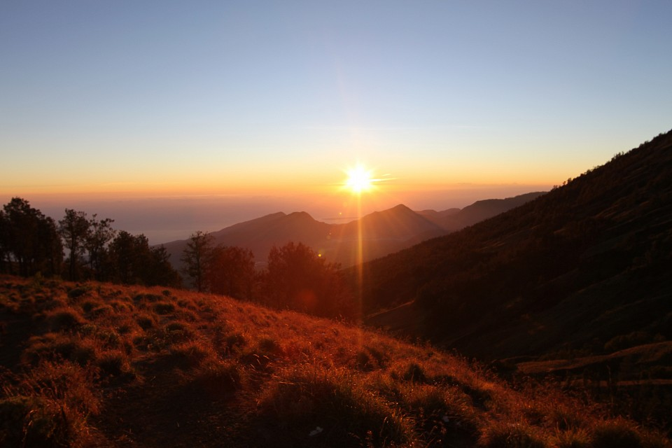 Sunrise on Gunung Rinjani - Gunung Rinjani National Park