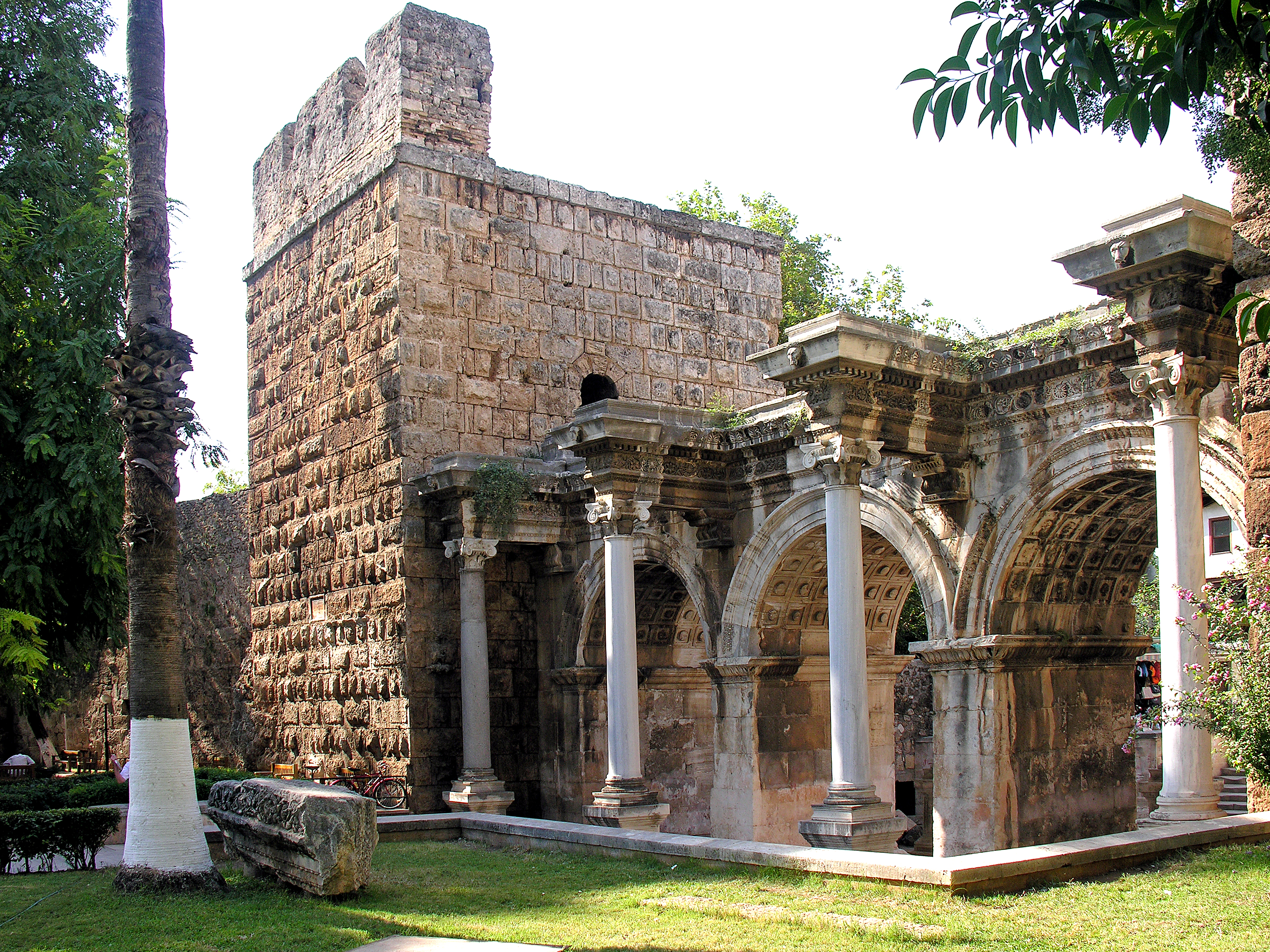 Hadrians Gate - Monument in Antalya - Thousand Wonders
