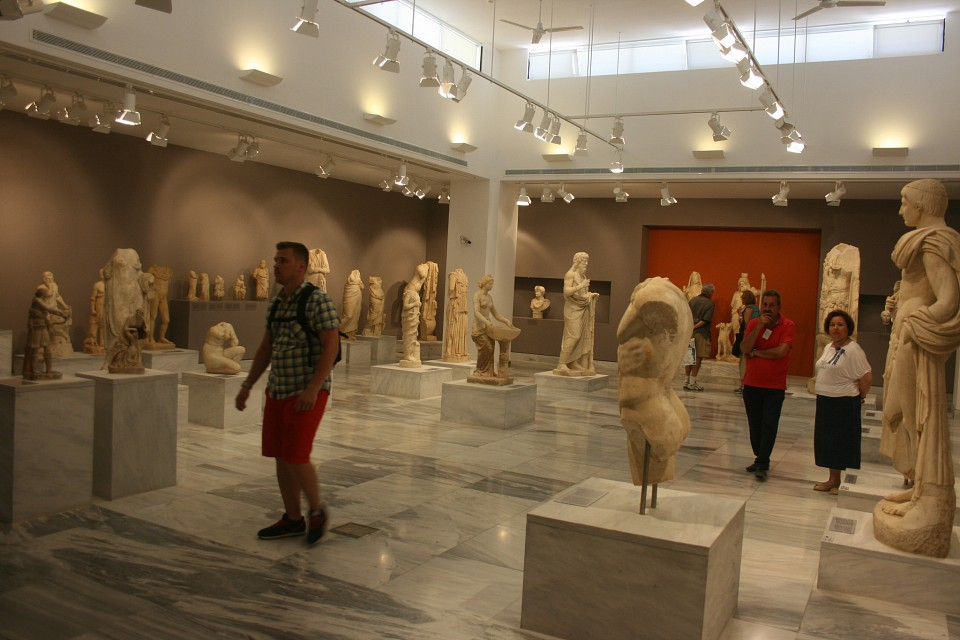 Heraklion Archaeological Museum - Museum in Crete ...