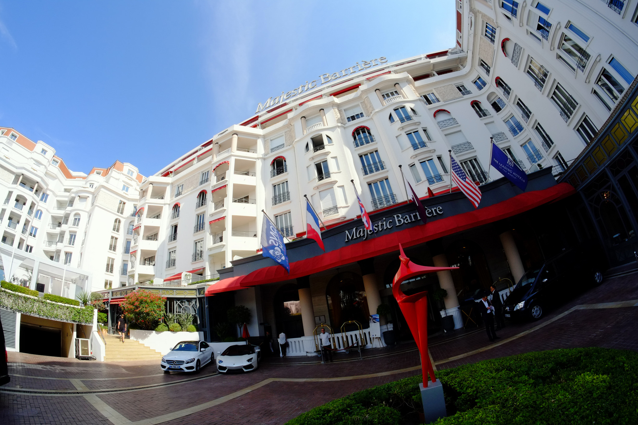 Hotel majestic barri re hotel in cannes thousand wonders for Hotels barriere