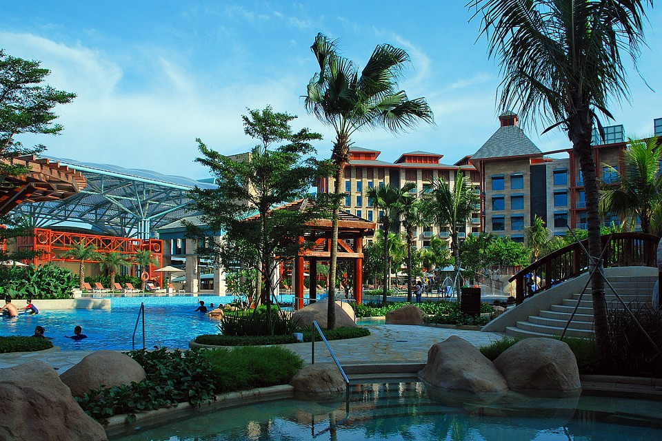 Hotel Michael Swimming Pool - Hotel Michael - Resorts World Sentosa Singapore