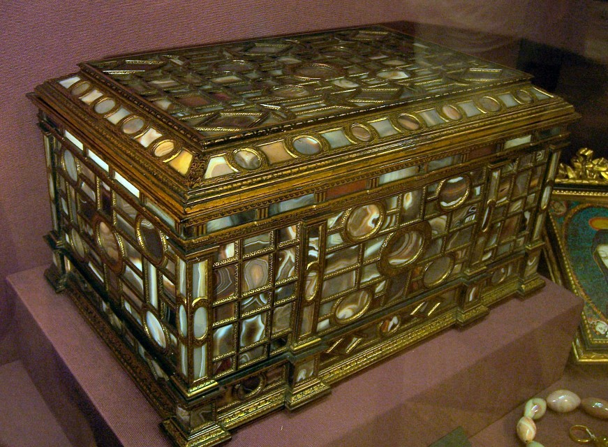 mother of pearl box - Imperial Treasury
