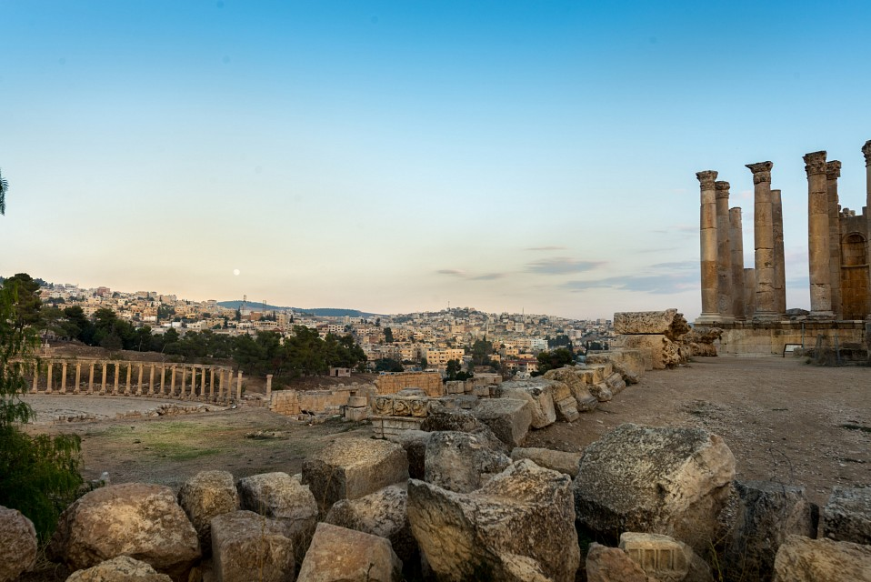 The Temple of Zeus and Oval Forum // Trip to Jordan - Jerash