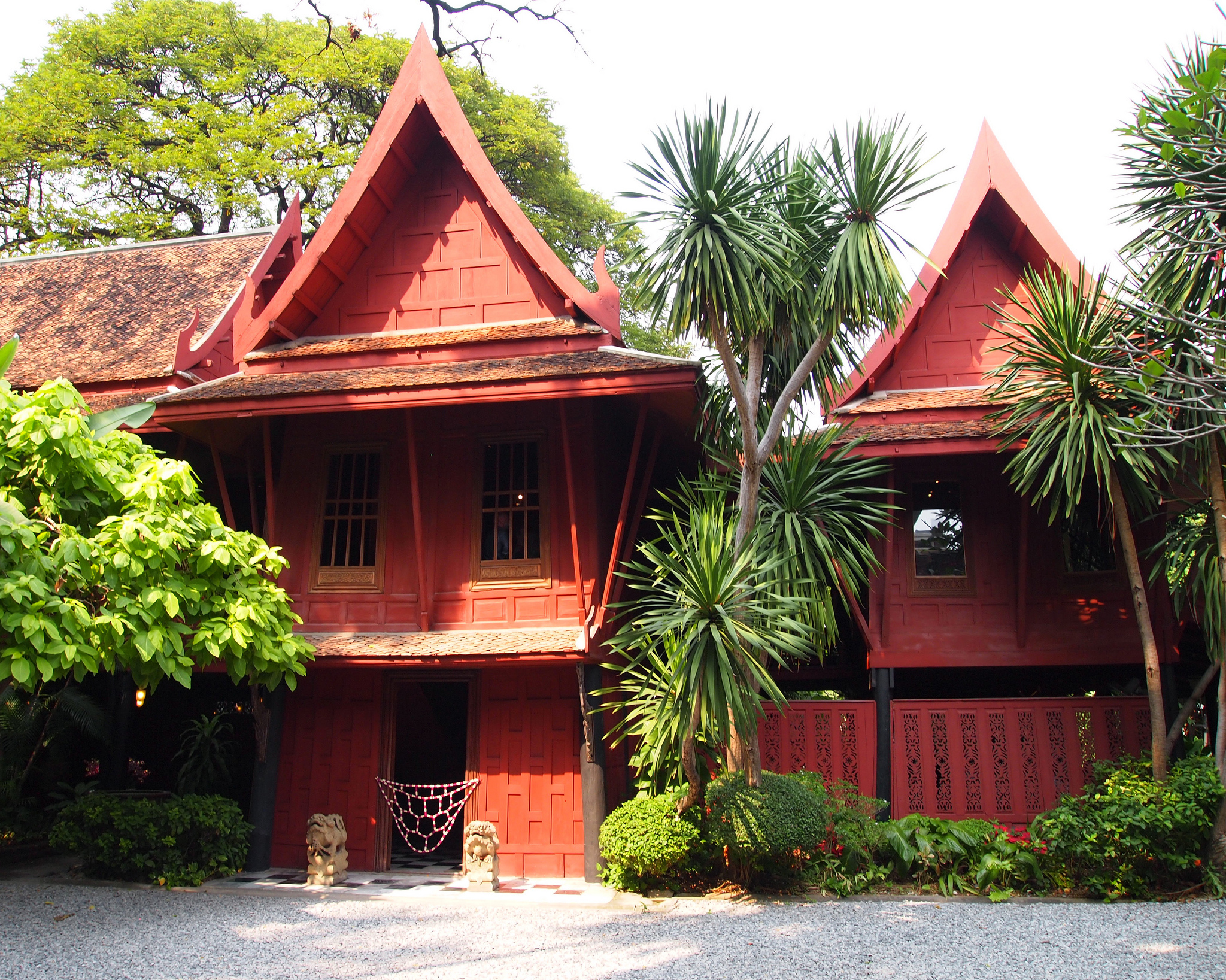 Jim thompson house museum in bangkok thousand wonders for Jim s dog house