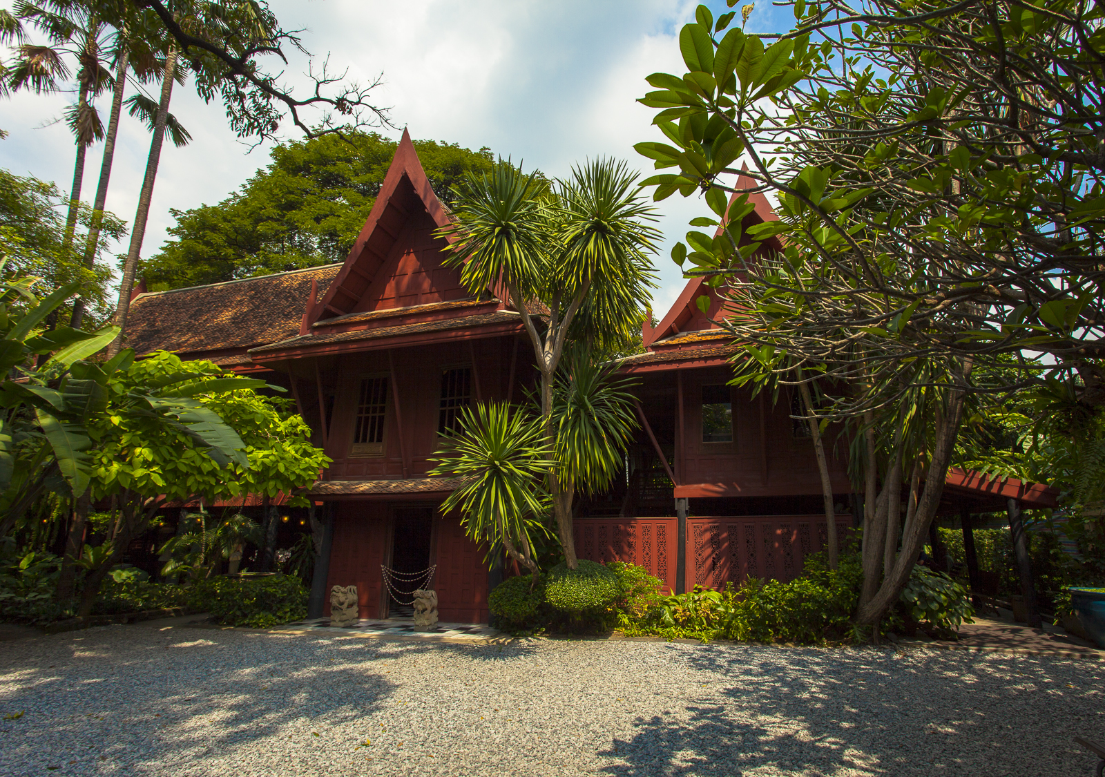 Jim thompson house museum in bangkok thousand wonders for The thompson house