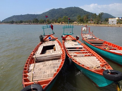 The shore of Kep