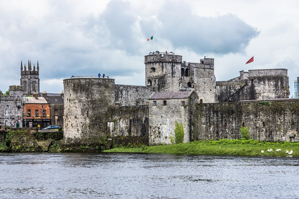 KING JOHN'S CASTLE - IMAGES FROM THE STREETS OF LIMERICK - King John's Castle